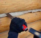 Конопатка и утепление деревянного дома и сруба
